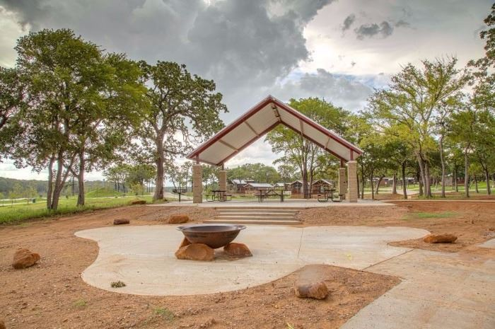 View of the large pavilion at Twin Coves Park